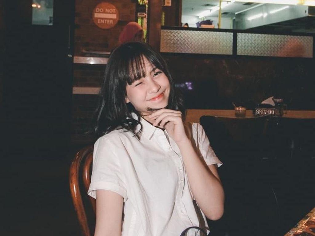 Main Film Dua Garis Biru, Pose Zara JKT48 Saat Kulineran Bikin Gemas