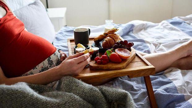 5 Vitamin Penting yang Perlu Ada di Makanan Ibu Hamil