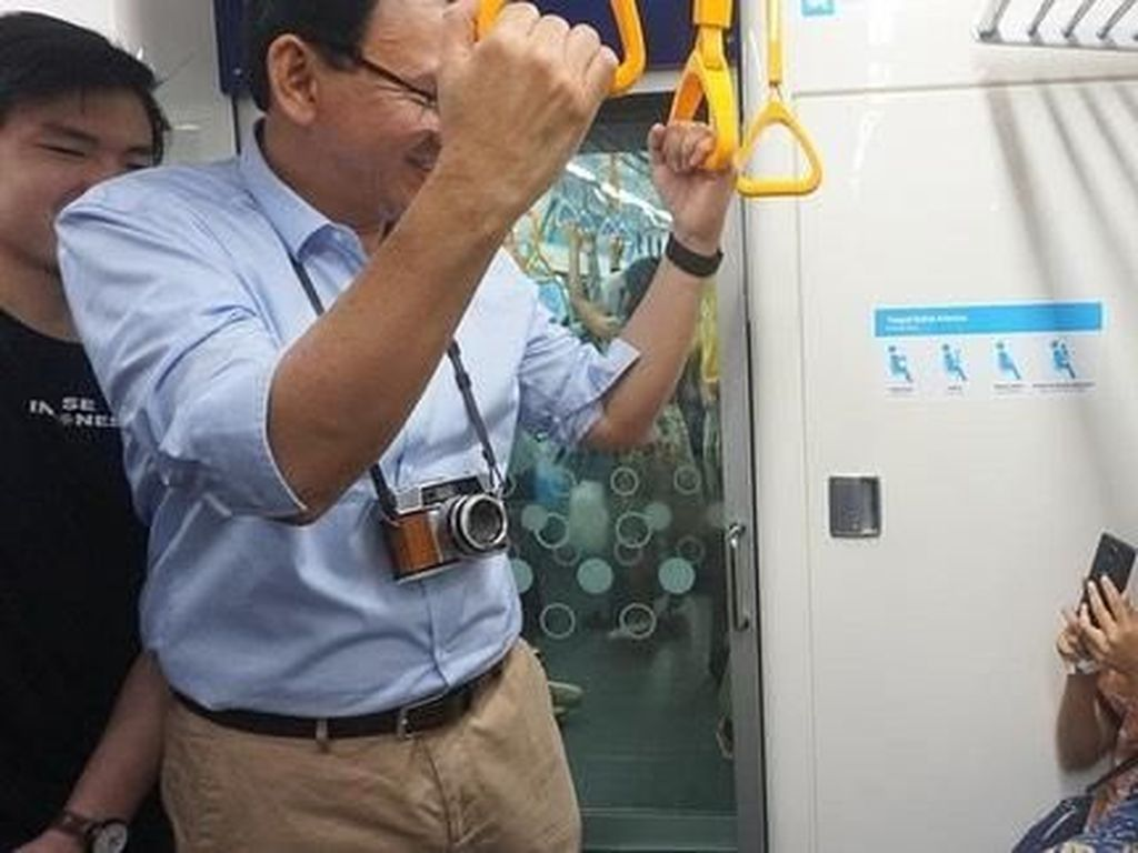 Video Momen Ahok Jajal MRT untuk Pertama Kali