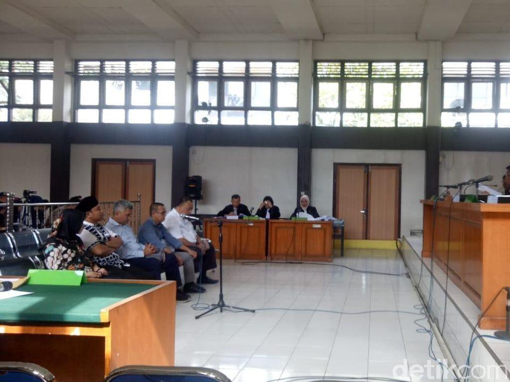 Lima Komisioner KPU Palembang Dihukum 1 Tahun Percobaan