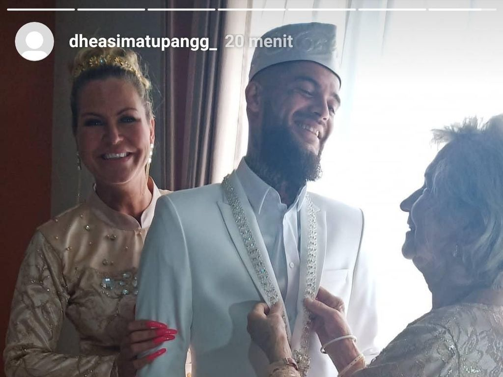 Begini Suasana Pernikahan Diego Michiels dengan Cewek Berhijab