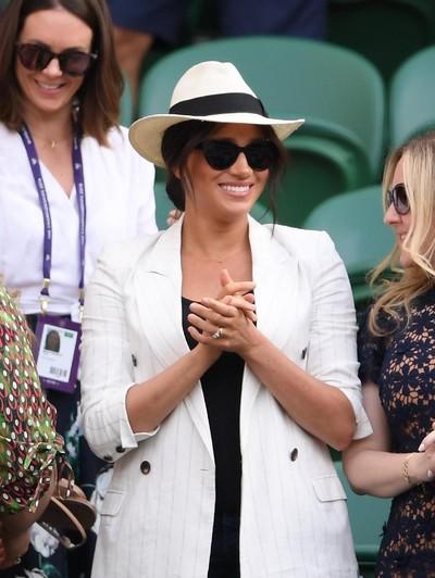 Meghan Markle ketika hadir di Kejuaraan Wimbledon 2019. Foto: Getty Images