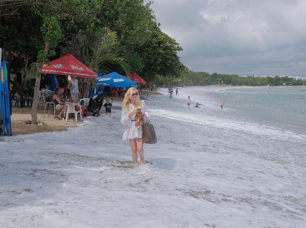 Waspada! Gelombang Setinggi 3,5 Meter Terjang Selatan Bali