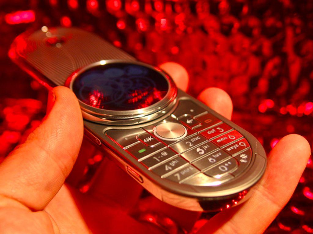 Pesona Motorola Aura, Ponsel Super Mahal di Masa Silam