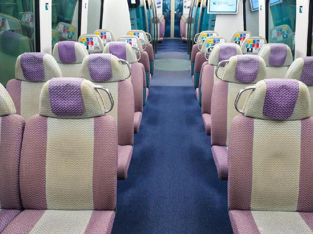 Alamak, Traveler Ini Beli Enam Tiket Kereta Untuk Tidur