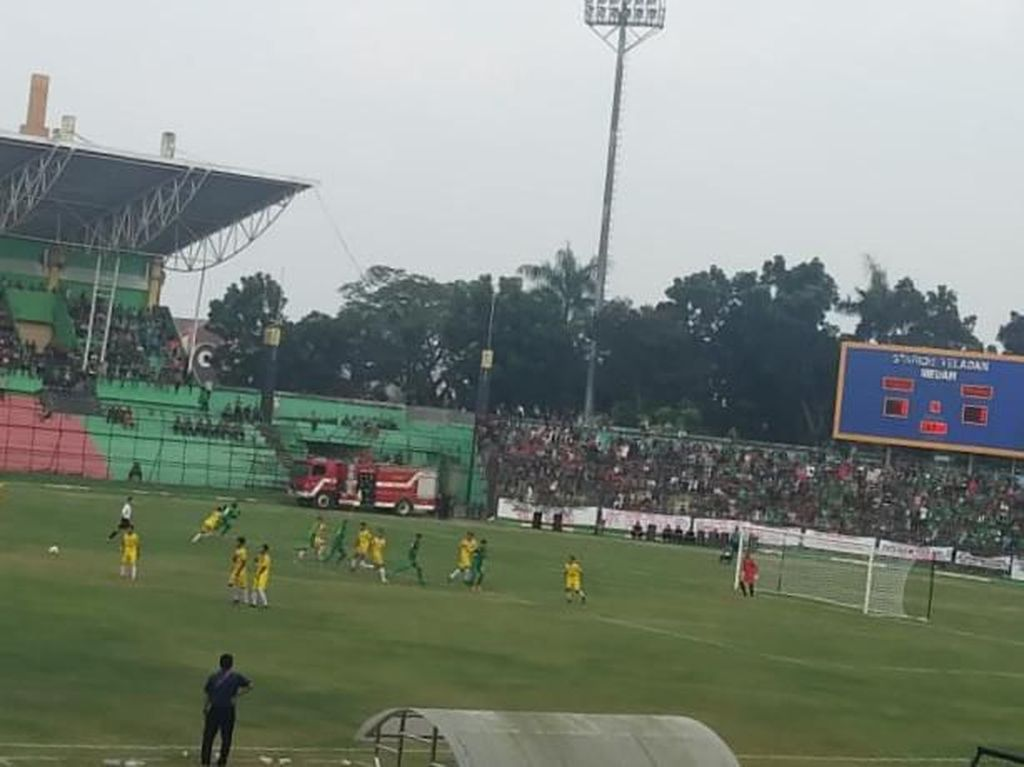 Sempat Tertinggal, PSMS Medan Taklukkan Perserang 3-2 di Stadion Teladan