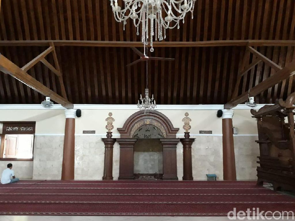 Masjid Agung Solo Tak Gelar Salat Tarawih Selama Pandemi Corona