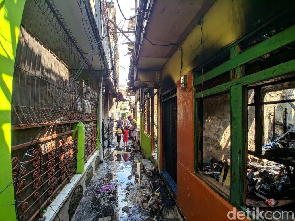 Cerita Warga soal Kebakaran yang Hanguskan 30 Rumah di Jatinegara