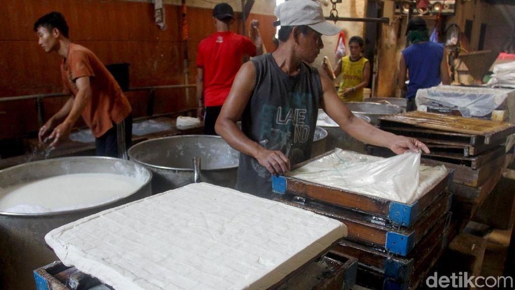 Melihat Proses Pembuatan Tahu di Tangerang Selatan