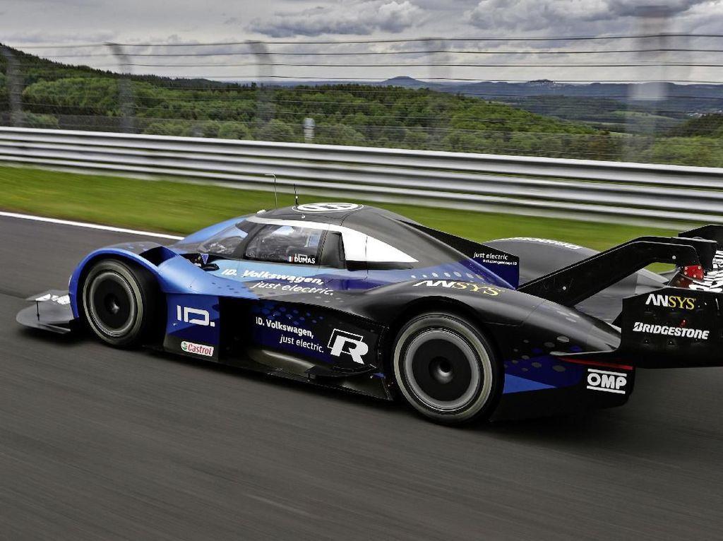 Mobil Listrik VW Kalahkan Rekor Formula 1