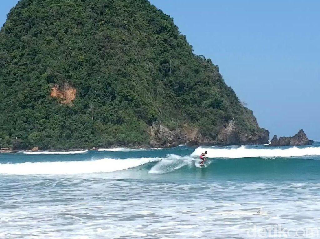 Sejarah Pantai Pulau Merah Banyuwangi hingga Lokasi Wisatanya