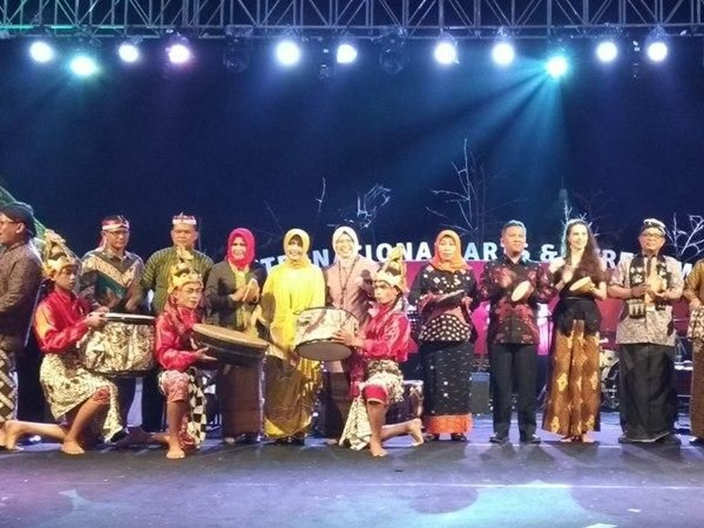 Meriahnya Borobudur International Arts and Performance Festival 2019
