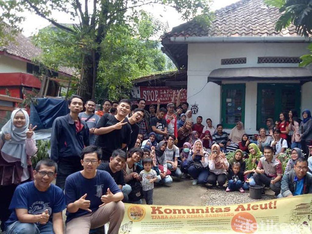 Menjelajah Sejarah Bandung Bersama Komunitas Aleut