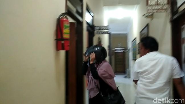Dikenai Pasal Tambahan, Pemilik Akun Hina Jokowi Mumi Ajukan Keberatan