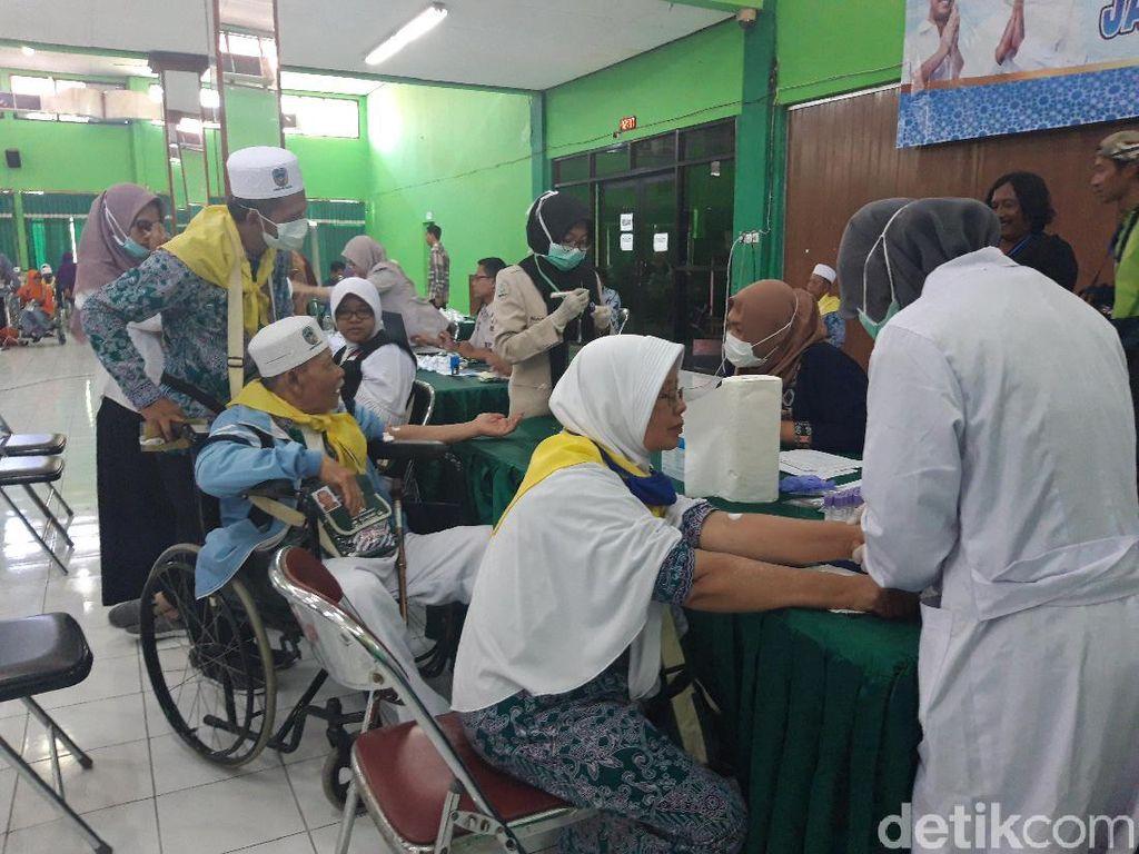 Tiba di Asrama, Calon Jemaah Haji Asal Pacitan Dicek Hepatitis A