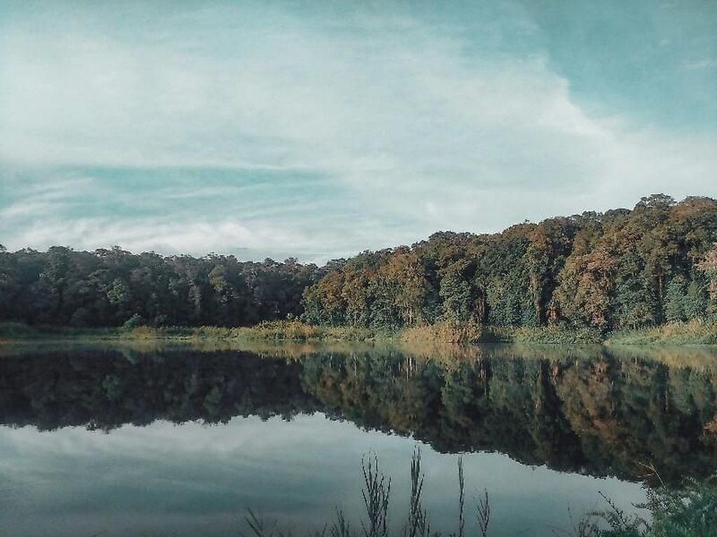 Santai Sejenak di Danau Tambing Lore Lindu