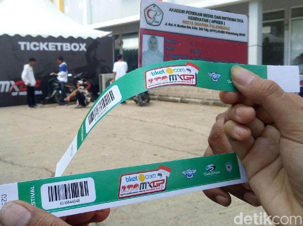 Buru Tiket Promo MXGP Palembang, Penonton Bingung Dimintai Rapor Sekolah