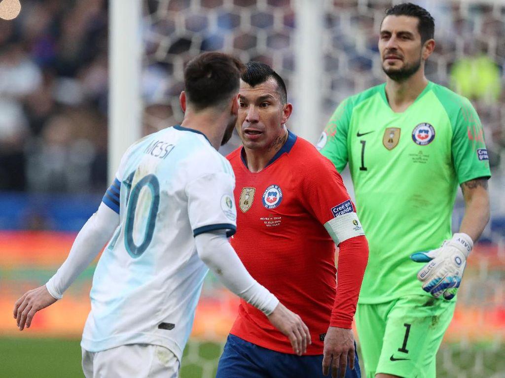 Medel dan Messi Tak Layak Kartu Merah