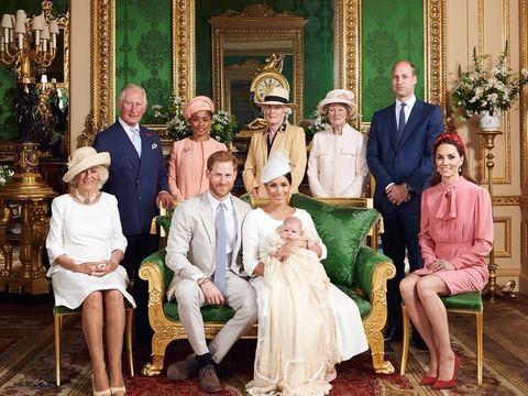 Ratu Elizabeth II Absen di Pembaptisan Anak Meghan Markle & Pangeran Harry, Ada Apa?