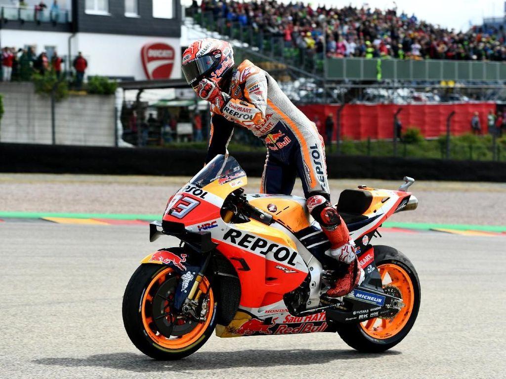 Cuma Marc Marquez yang Bisa Taklukkan Honda RC213V