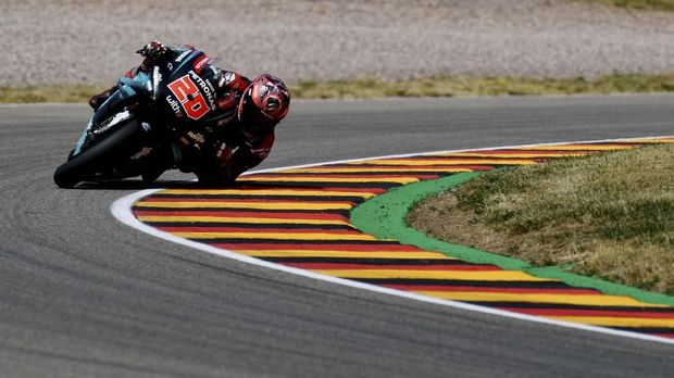 Fabio Quartararo terjatuh pada lap kedua. (