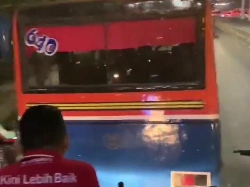 Metromini yang Adang TransJakarta di Pasar Minggu Dilarang Beroperasi
