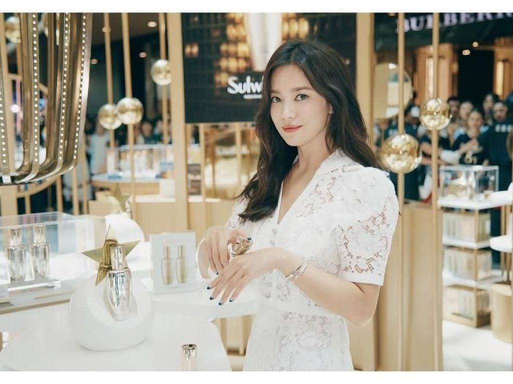 Setelah Cerai dari Song Joong Ki, Song Hye Kyo Masih Terus Di-bully