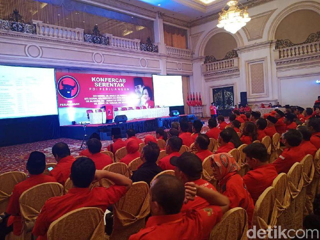 Sejumlah Pengurus PAC Balik Dukung Ketua DPC PDIP Surabaya Baru