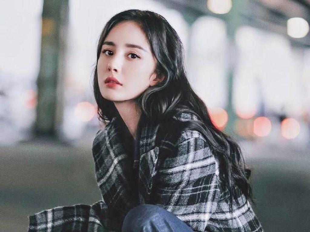 Cantiknya Bikin Netizen Terpana, Aktris China Ini Berpenghasilan Rp 440 M