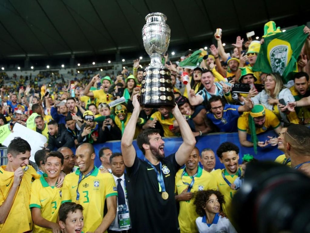Firmino dan Alisson Pamer Sukses Copa America ke Klopp