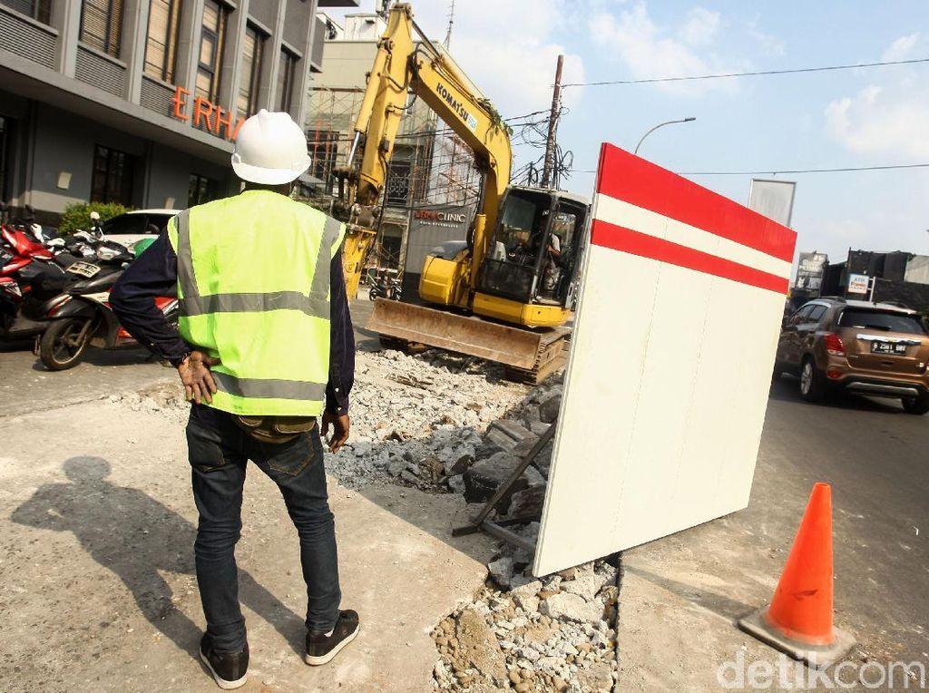 Pakar Kesehatan Lingkungan Ragukan Debu Proyek Trotoar Biang Polusi di DKI