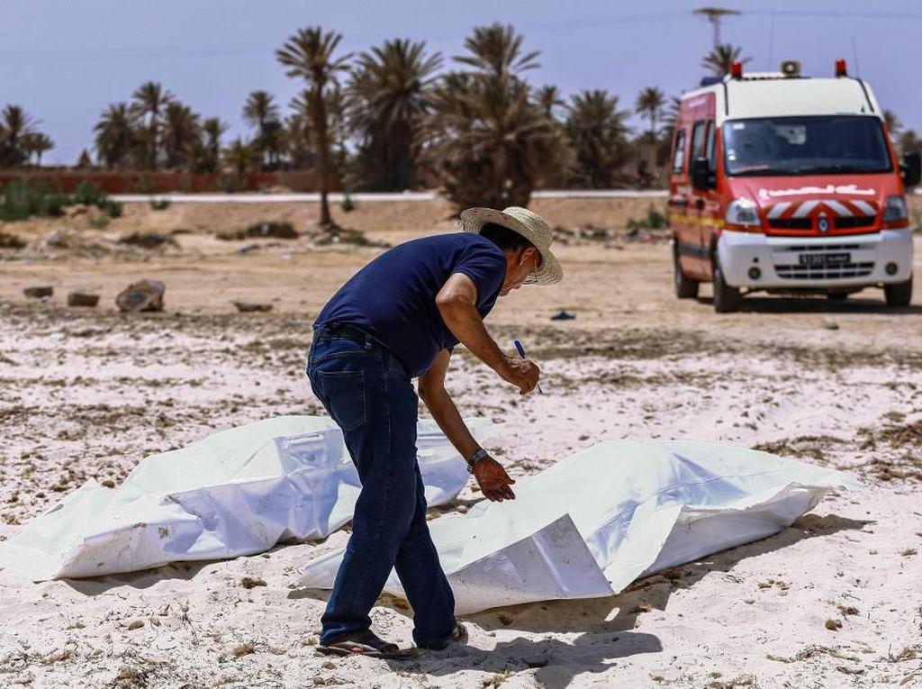 Kapal Imigran Tenggelam di Tunisia, Jenazah Wanita Hamil dan Balita Ditemukan