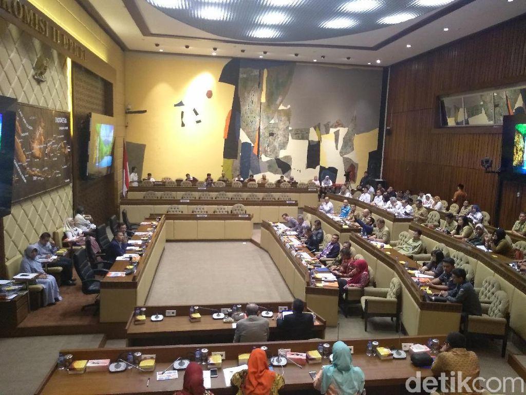 KPU-Bawaslu Rapat dengan DPR, Bahas Tahapan Pilkada Serentak 2020