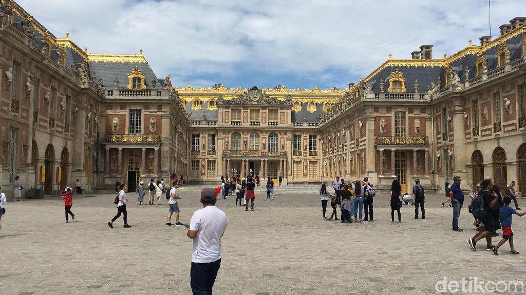 Foto: Istana Berlapis Emas dari Prancis