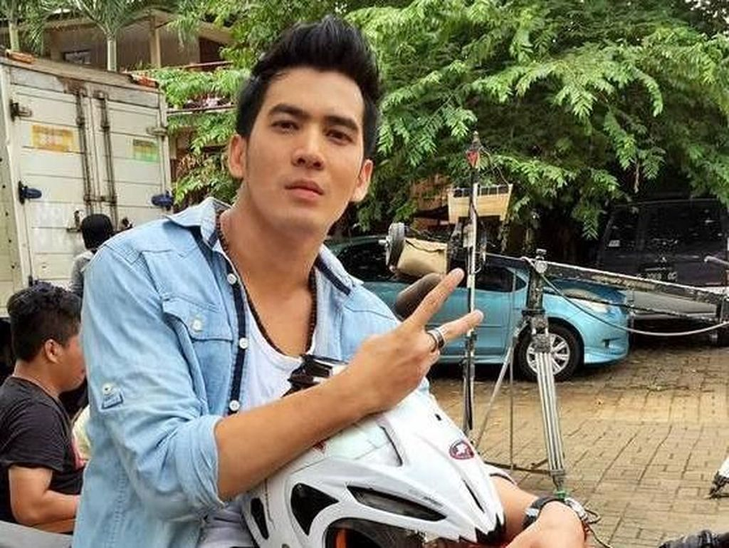 Kena! Pria Diduga Bintang FTV Digerebek dengan Selebgram