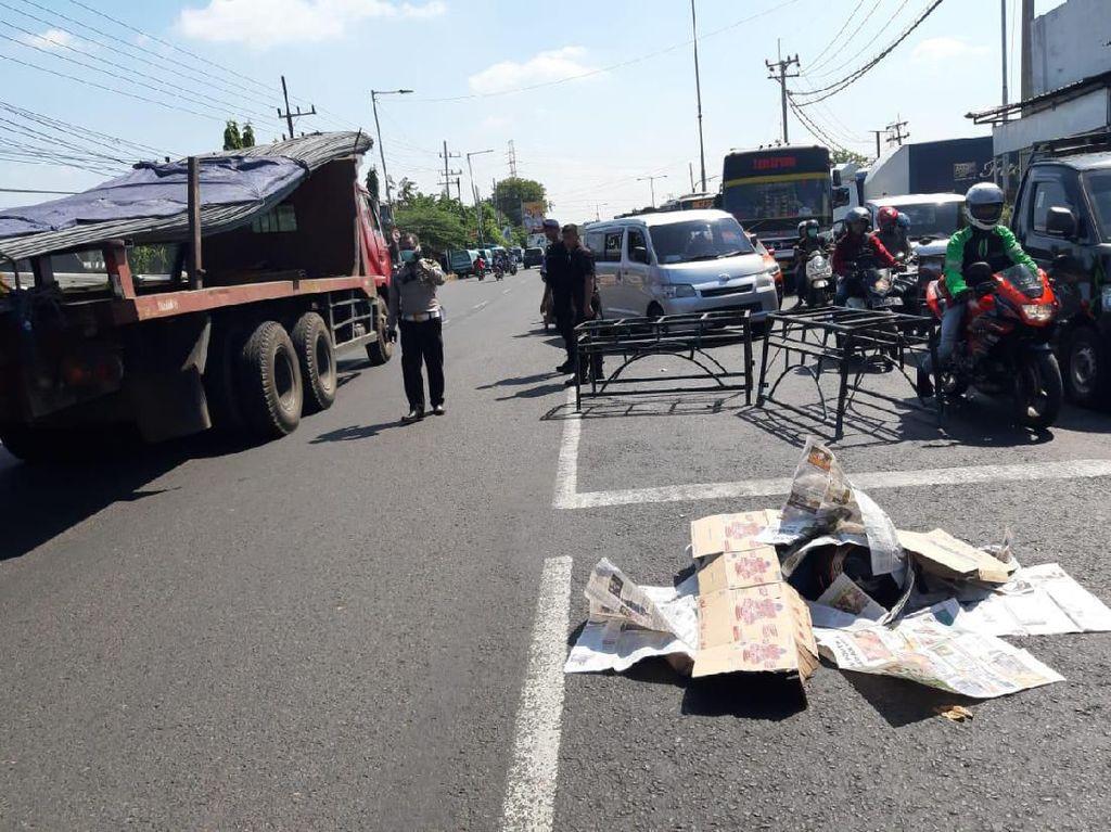 Seorang Pengendara Motor di Sidoarjo Tewas Terlindas Truk
