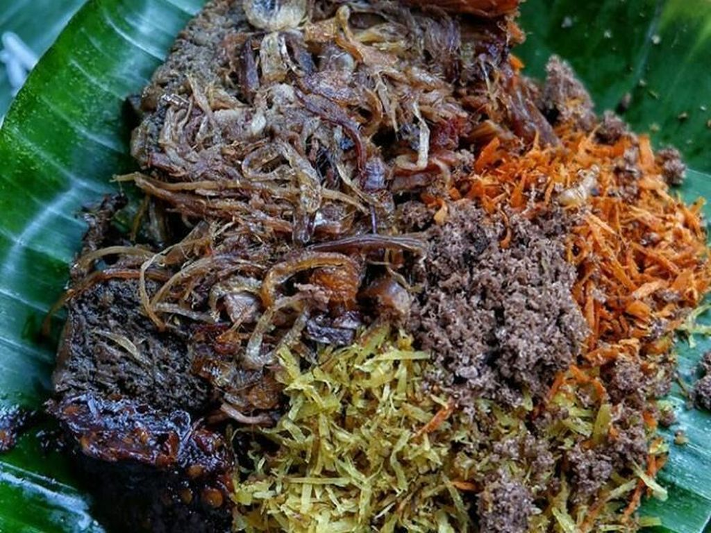 Uenak Poll! Nasi Becek dan Nasi Tempong Khas Jawa Timur