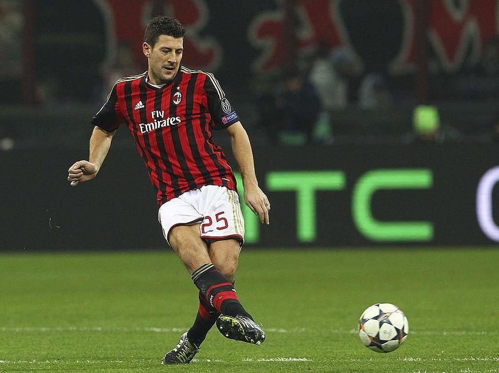 Daniele Bonera Resmi Kembali ke Milan