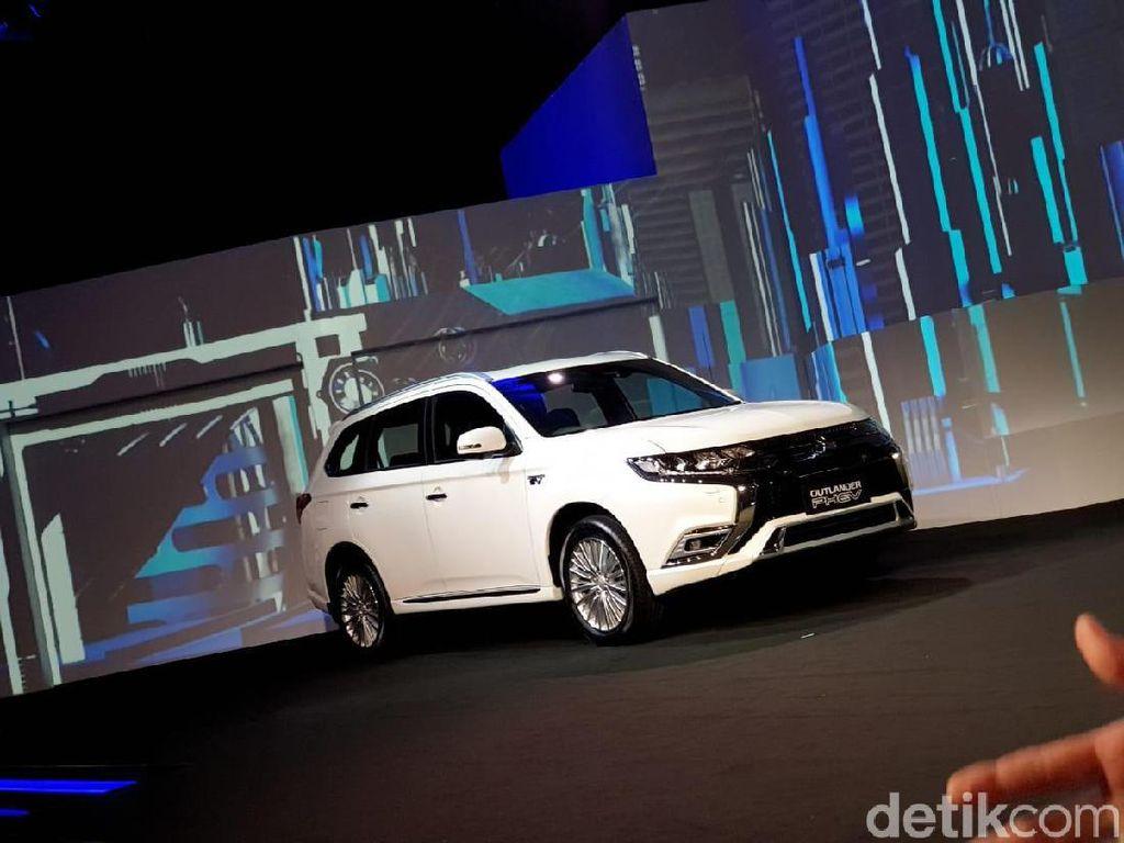 Mitsubishi Outlander PHEV Juga Bisa Jadi Powerbank