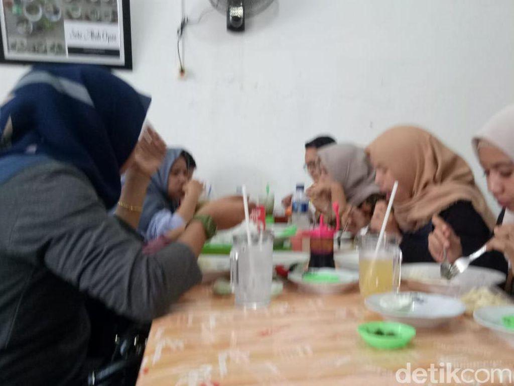 Catat! Makan Pecel Lele dan Pempek di Palembang Kena Pajak 10%
