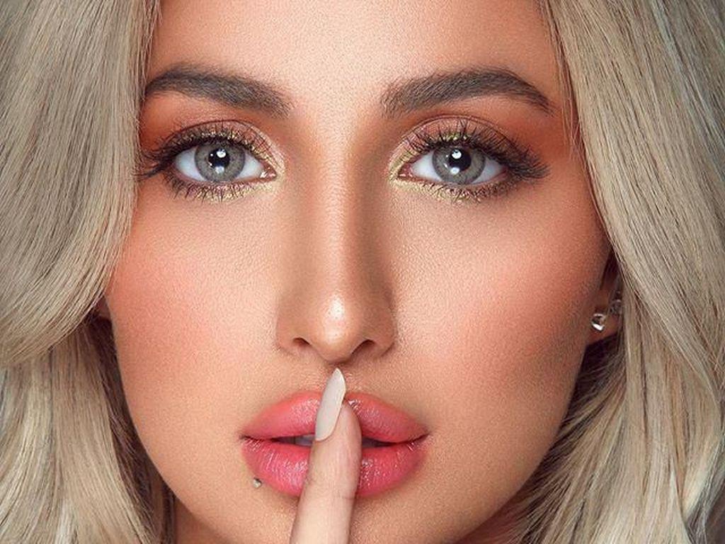 Rozana, Wanita Arab Saudi Pertama yang Jadi Bintang Iklan Victorias Secret