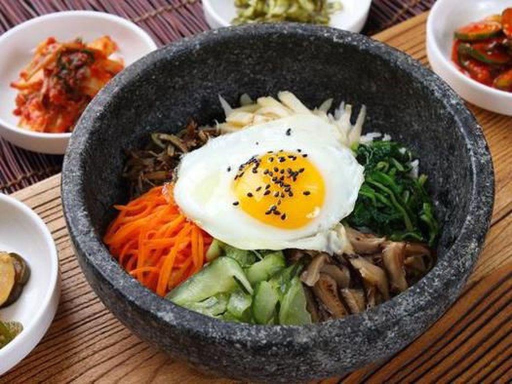 Kimchi Bokkeumbap hingga Hoedeopbap, Ini 5 Olahan Nasi Enak Khas Korea
