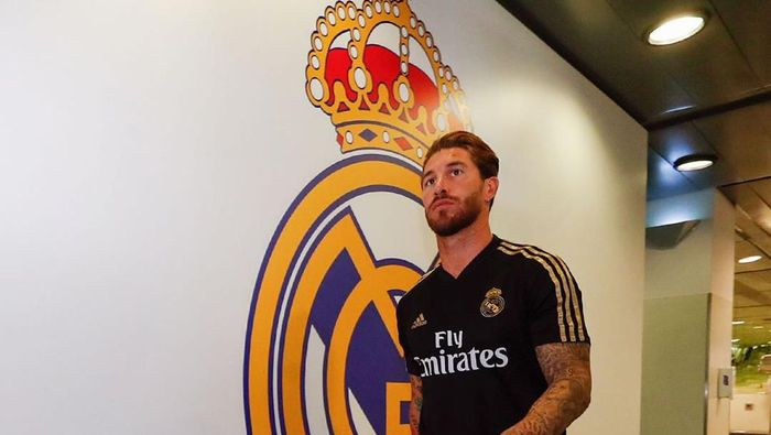 Sergio Ramos berkumpul bersama seluruh skuat Real Madrid untuk mempersiapkan diri menyambut musim baru (Twitter @realmadriden)