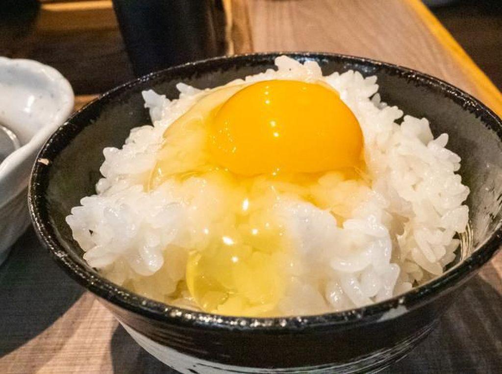 Punya Sisa Nasi dan Telur? Bisa Bikin Sahur Enak ala Chef Alton Brown Ini