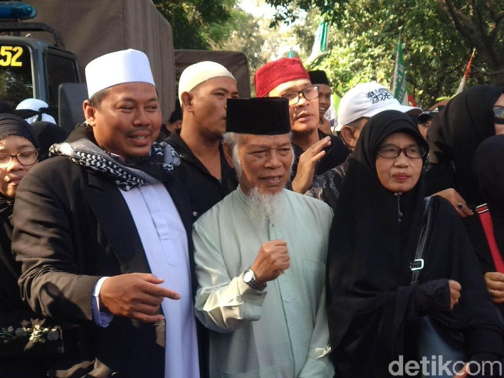 Abdullah Hehamahua Ikut Kawal Sidang Vonis Habib Bahar