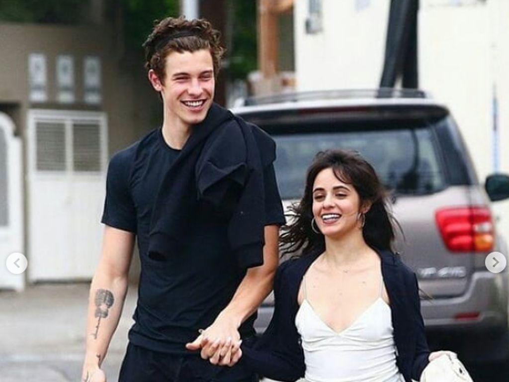 Camila Cabello dan Shawn Mendes Pasangan Duet Paling Romantis