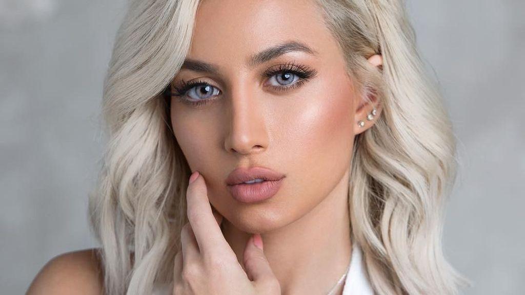 Foto: Cantiknya Bintang Iklan Victorias Secret Pertama dari Arab Saudi