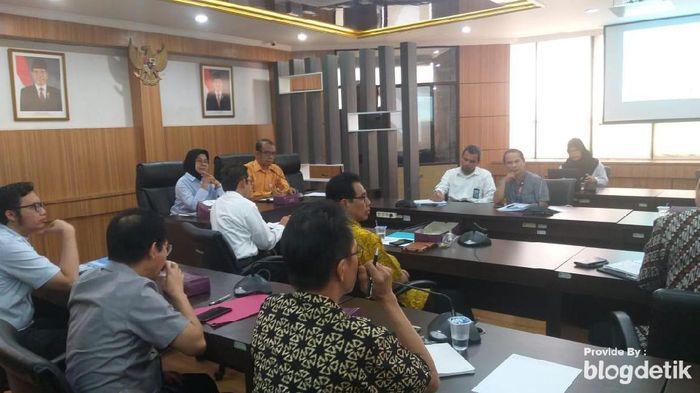 Bhayangkara FC dan perwkailan sejumlah cabor bersama Kemenpora duduk bersama membahas pemakaian Stadion Madya. (Mercy Raya/detikSport)