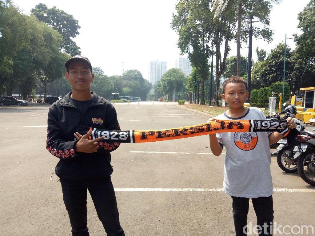 The Jakmania Mulai Datangi Stadion Utama GBK