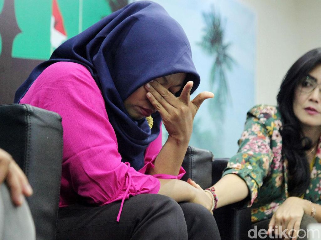 Muncul Petisi #SaveIbuNuril, Tuntut Bebaskan Baiq Nuril dari Jerat UU ITE